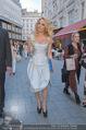 Pamela Anderson Shoppingtour - Innenstadt Wien - Do 18.06.2015 - Pamela ANDERSON spaziert durch Wien Vienna mit Weinglas52