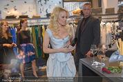 Pamela Anderson Shoppingtour - Innenstadt Wien - Do 18.06.2015 - Pamela ANDERSON bei Weisz6