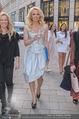 Pamela Anderson Shoppingtour - Innenstadt Wien - Do 18.06.2015 - Pamela ANDERSON spaziert durch Wien Vienna mit Weinglas66
