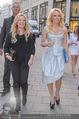Pamela Anderson Shoppingtour - Innenstadt Wien - Do 18.06.2015 - Pamela ANDERSON spaziert durch Wien Vienna mit Weinglas67