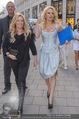 Pamela Anderson Shoppingtour - Innenstadt Wien - Do 18.06.2015 - Pamela ANDERSON spaziert durch Wien Vienna mit Weinglas68