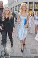 Pamela Anderson Shoppingtour - Innenstadt Wien - Do 18.06.2015 - Pamela ANDERSON spaziert durch Wien Vienna mit Weinglas70