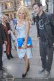 Pamela Anderson Shoppingtour - Innenstadt Wien - Do 18.06.2015 - Pamela ANDERSON spaziert durch Wien Vienna mit Weinglas83