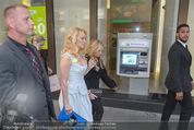 Pamela Anderson Shoppingtour - Innenstadt Wien - Do 18.06.2015 - Pamela ANDERSON86