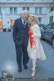 Pamela Anderson Shoppingtour - Innenstadt Wien - Do 18.06.2015 - Friedrich und Jeanine SCHILLER88