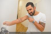 Wegrostek Sommerfest - Ordination Wegrostek - Do 25.06.2015 - Fadi MERZA zeigt sein neues Tattoo (Kind)160