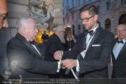 Fete Imperiale - Spanische Hofreitschule - Fr 26.06.2015 - Michael H�UPL bekommt VIP-Band31