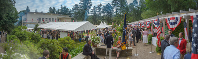 Empfang zum Independence Day - Restidenz der US Botschaft - Di 30.06.2015 - �bersichtsfoto, G�ste, Gartenfest, Feier, Sommerfest7