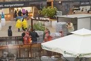 Tosca Premiere - Steinbruch St. Margarethen - Mi 08.07.2015 - Eindr�cke von vor Ort, Regenwetter, Regeschirme, G�ste, etc.3