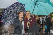 Tosca Premiere - Steinbruch St. Margarethen - Mi 08.07.2015 - Barbara KARLICH mit Mutter Katharina46