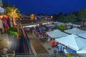Tosca Premiere - Steinbruch St. Margarethen - Mi 08.07.2015 - Eindr�cke von vor Ort, Regenwetter, Regeschirme, G�ste, etc.97