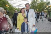 Eine Nacht in Venedig Premiere - Seebühne Mörbisch - Do 09.07.2015 - Peter HANKE mit Ehefrau, Kind Philipp18