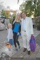 Eine Nacht in Venedig Premiere - Seebühne Mörbisch - Do 09.07.2015 - Richard und Cathy LUGNER mit Tochter Leonie55