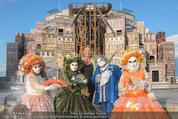 Eine Nacht in Venedig Premiere - Seebühne Mörbisch - Do 09.07.2015 - Dagmar SCHELLENBERGER mit venezianischen Masken6