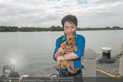Gourmet Schifffahrt - MS Kaiserin Elisabeth - Di 14.07.2015 - Nhut LA HONG mit Hund Nes17