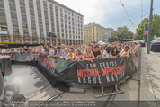 Mission:Impossible Weltpremiere - Wiener Staatsoper - Do 23.07.2015 - Fanzone am Ring vor der Oper13