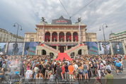 Mission:Impossible Weltpremiere - Wiener Staatsoper - Do 23.07.2015 - Fanzone am Ring vor der Oper17