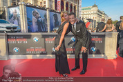 Mission:Impossible Weltpremiere - Wiener Staatsoper - Do 23.07.2015 - Armin ASSINGER mit Freundin Sandra SCHRANZ194