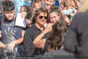 Mission:Impossible Weltpremiere - Wiener Staatsoper - Do 23.07.2015 - Tom CRUISE gibt Autogramme, Selfies75