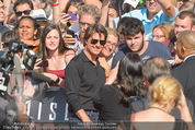 Mission:Impossible Weltpremiere - Wiener Staatsoper - Do 23.07.2015 - Tom CRUISE gibt Autogramme, Selfies78
