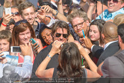 Mission:Impossible Weltpremiere - Wiener Staatsoper - Do 23.07.2015 - Tom CRUISE gibt Autogramme, Selfies79