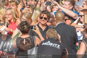 Mission:Impossible Weltpremiere - Wiener Staatsoper - Do 23.07.2015 - Tom CRUISE gibt Autogramme, Selfies83