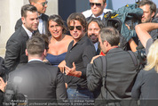 Mission:Impossible Weltpremiere - Wiener Staatsoper - Do 23.07.2015 - Tom CRUISE gibt Autogramme, Selfies90