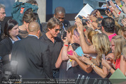 Mission:Impossible Weltpremiere - Wiener Staatsoper - Do 23.07.2015 - Tom CRUISE gibt Autogramme, Selfies94