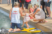 Beachvolleyball SA - Klagenfurt - Sa 01.08.2015 - Benjamin KARL mit Tochter Benina123