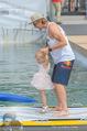 Beachvolleyball SA - Klagenfurt - Sa 01.08.2015 - Benjamin KARL mit Tochter Benina124