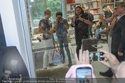 Lenny Kravitz - Flash - Galerie Ostlicht - Mo 10.08.2015 - Lenny KRAVITZ fotografiert mit Leica Kamera45