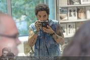 Lenny Kravitz - Flash - Galerie Ostlicht - Mo 10.08.2015 - Lenny KRAVITZ fotografiert mit Leica Kamera56