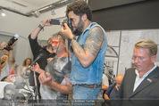 Lenny Kravitz - Flash - Galerie Ostlicht - Mo 10.08.2015 - Lenny KRAVITZ fotografiert mit Leica Kamera67