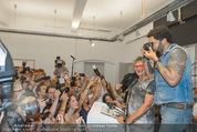 Lenny Kravitz - Flash - Galerie Ostlicht - Mo 10.08.2015 - Lenny KRAVITZ fotografiert mit Leica Kamera70