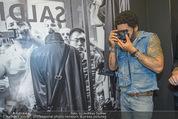 Lenny Kravitz - Flash - Galerie Ostlicht - Mo 10.08.2015 - Lenny KRAVITZ fotografiert mit Leica Kamera84