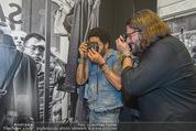 Lenny Kravitz - Flash - Galerie Ostlicht - Mo 10.08.2015 - Lenny KRAVITZ fotografiert mit Leica Kamera85
