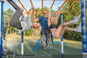 Promi Fitness mit Wendy Night - Donaupark - Di 18.08.2015 - Yvonne RUEFF, Thomas GLOCK, Wendy NIGHT (Michaela WOLF)1