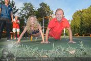 Promi Fitness mit Wendy Night - Donaupark - Di 18.08.2015 - Heribert KASPER, Wendy NIGHT (Michaela WOLF)59