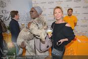 Veuve Clicquot Rich Präsentation - PopUp Store - Mi 19.08.2015 - Doretta CARTER, Irina GULYAEVA43