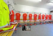 Samsung Charity Soccer Cup - Alpbach, Tirol - Di 01.09.2015 - Umkleidekabinen mit Dressen2