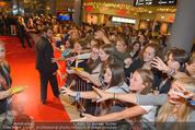 Fack ju Göthe 2 Kinopremiere - Cineplexx Donauplex - Di 08.09.2015 - Publikum, Autogrammj�ger, Fans, Teenis, G�ste53