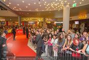 Fack ju Göthe 2 Kinopremiere - Cineplexx Donauplex - Di 08.09.2015 - Publikum, Autogrammj�ger, Fans, Teenis, G�ste54