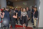 Fack ju Göthe 2 Kinopremiere - Cineplexx Donauplex - Di 08.09.2015 - Ankunft der Schauspieler, Elyas M�BAREK, Jella HAASE59