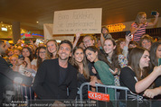 Fack ju Göthe 2 Kinopremiere - Cineplexx Donauplex - Di 08.09.2015 - Bora DAGTEKIN mit Fans69