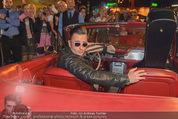 Andreas Gabalier Videodreh - Praterdome - Mi 09.09.2015 - Andreas GABALIER in altem Auto, Oldtimer, Cabrio25