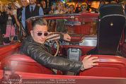 Andreas Gabalier Videodreh - Praterdome - Mi 09.09.2015 - Andreas GABALIER in altem Auto, Oldtimer, Cabrio26