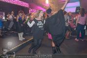 Andreas Gabalier Videodreh - Praterdome - Mi 09.09.2015 - Bianca HUMER (Visagistin), Rebecca RAPP42