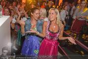 Andreas Gabalier Videodreh - Praterdome - Mi 09.09.2015 - Weibliche Fans, Publikum77
