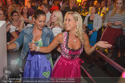 Andreas Gabalier Videodreh - Praterdome - Mi 09.09.2015 - Weibliche Fans, Publikum79