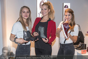 Humanic Lounge - Vienna Fashion Week - Mi 09.09.2015 - Hilde DALIK mit Humanic Hostessen16